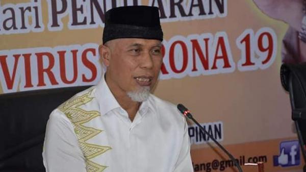 Gubernur Mahyeldi Jadi Penceramah di Salat Tarawih Pertama Masjid Raya Sumbar