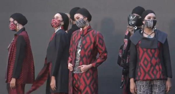 Lia Mustafa, Afif Syakur dan Phillip Iswardono Gelar Fashion Show di Tebing Breksi, Usung Wastra Nusantara