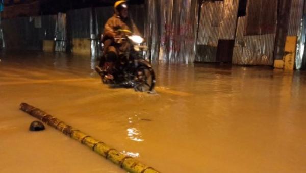 Banjir-Longsor akibat Hujan Deras Terjang Sorong, Ibu dan Anak Tewas tertimbun
