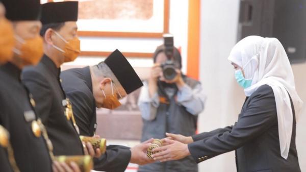 Kukuhkan 6 Pjs Bupati dan Wali Kota di Jatim, Ini Pesan dan Harapan Gubernur Khofifah