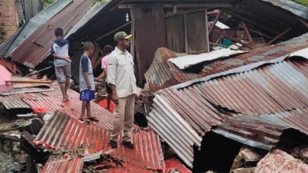 Banjir di Jayapura Robohkan Rumah Warga, 2 Anak Tewas Tertimpa Bangunan