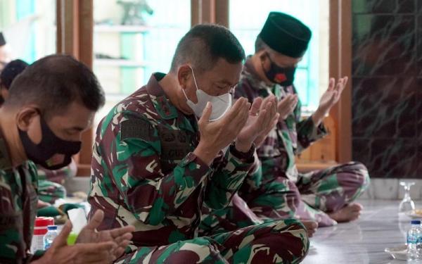 Pangdam II Sriwijaya Ajak Prajurit Teladani Ahlak Mulia Nabi