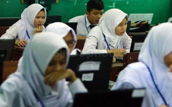 SKB Soal Seragam Dicabut MA, Kemenag Pelajari Putusan
