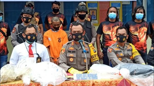Pengakuan Pelaku Pembunuhan Mayat dalam Karung, Sempat Ingin Buang Jasad ke Hutan