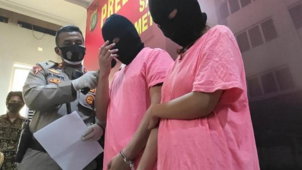 Tarif Threesome Bersama Dua Artis Ini Rp110 Juta