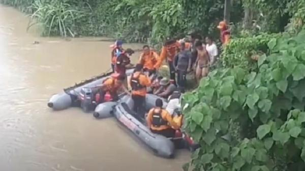 Basarnas Evakuasi Jasad Perempuan di Sungai Silau Asahan, Keluarga Histeris