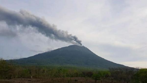 Erupsi Gunung Ili Lewotolok di Lembata NTT, Radius Zona Bahaya 2 Km