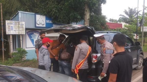 Naik Fortuner sambil Bawa 46 Kg Merkuri, Pria di Dharmasraya Ditangkap Polisi