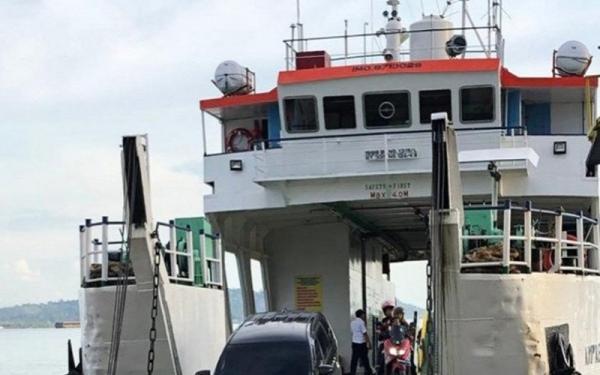 Jelang Libur Natal, Penumpang Kapal Feri Batulicin-Tanjung Serdang Sepi