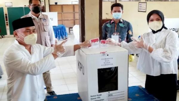 Hasil Quick Count Charta Politika: Sugianto-Edy Unggul Sementara dari Ben Brahim-Ujang