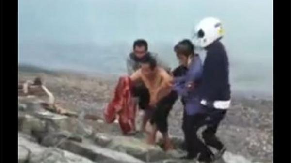 Viral Tangan Pria Ini Nyaris Putus Digigit Buaya saat Mandi di Pantai Talise Palu