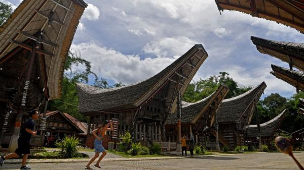 Zona Hijau, Kawasan Kete Kesu Toraja Utara Ramai Dikunjungi Wisatawan