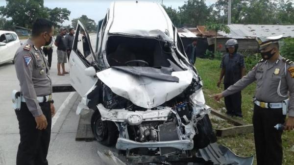 Identitas 4 Penumpang Daihatsu Sigra yang Tewas Tabrak Truk di Jalan Lintas Pekanbaru