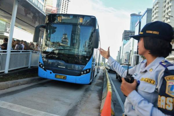 PSBB Ketat, Operasional Transjakarta Berakhir Pukul 20.00 WIB Hari Ini