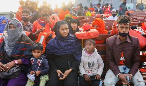Bangladesh Tetap Pindahkan 1.800 Pengungsi Rohingya ke Pulau Rawan Banjir meski Ditentang