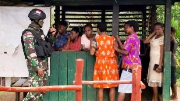 Satgas Pamtas Yonif Mekanis 516/CY Patroli Simpatik Jaga Perbatasan RI-PNG