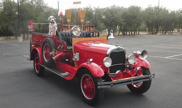 Mobil Klasik Berusia 93 Tahun Ini Disulap Jadi Pemadam Kebakaran