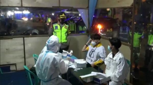 Razia Jam Malam, Polisi Amankan Pemuda Mabuk dan Pelanggar Protokol Kesehatan