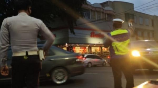Dishub Bandarlampung Tutup Akses Jalan ke Ruang Publik hingga Pukul 01.00 WIB