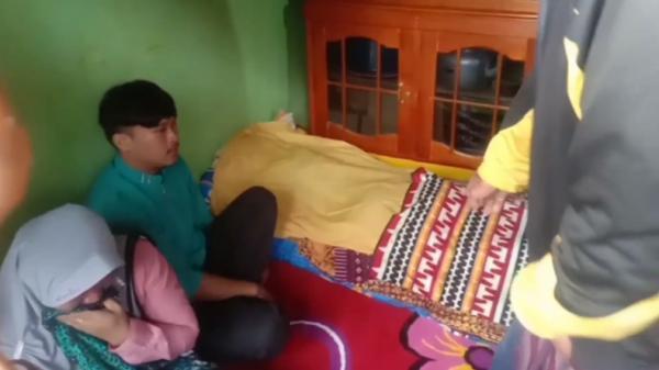 Tiba di Rumah Duka, 2 Jenazah Pemancing Lampung Barat Disambut Tangis Keluarga