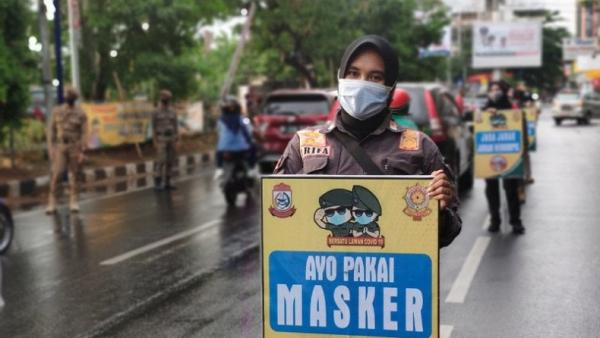 Pandemi Belum Usai, IDI Ingatkan Masyarakat Tetap Pakai Masker