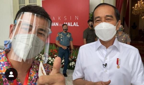 Bahagia Dapat Vaksin Perdana Bersama Presiden Jokowi, Raffi Ahmad: Terimakasih atas Kepercayaannya