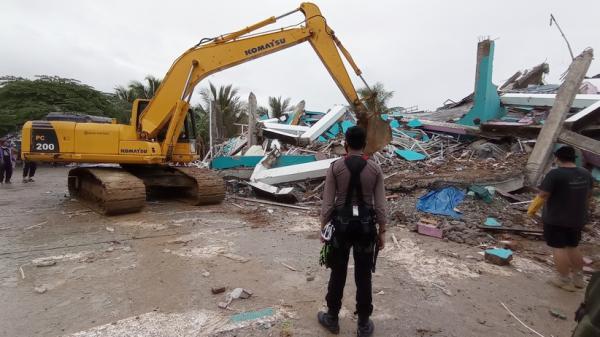 Akses Jalur Darat ke Lokasi Gempa Terputus, Tim Pusat Sulit Masuk ke Mamuju