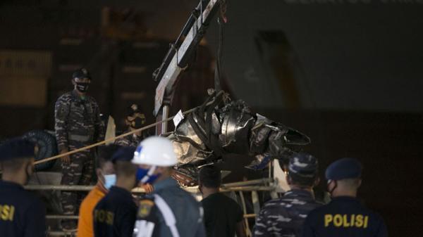 Lagi, Turbin Pesawat Sriwijaya Air SJ182 Diangkat ke Darat