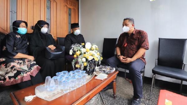 Plt Wali Kota Whisnu Sebut Co-Pilot NAM Air Fadly Kebanggaan Surabaya