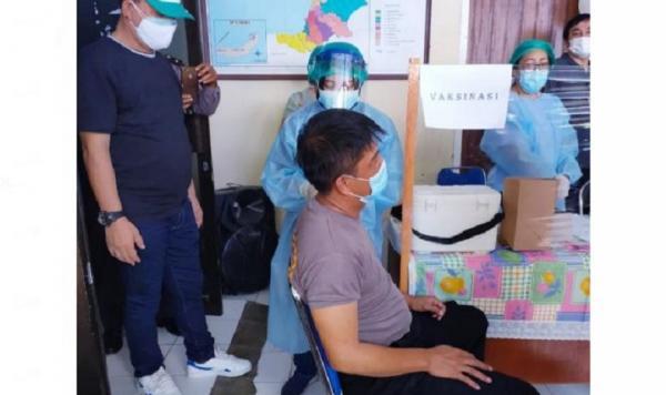Kompol Alkat Karouw Jadi Polisi Pertama di Sulut Penerima Vaksin Covid-19
