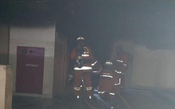 Kebakaran di Mal Pluit Junction, 18 Mobil Damkar Dikerahkan