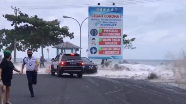 Banjir Rob di Manado Viral, BMKG Minta Waspadai Gelombang Tinggi di Selat Makassar