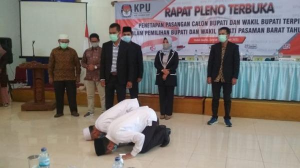 Sujud Syukur Bupati dan Wakil Bupati Terpilih Pasaman Barat