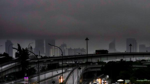 Prakiraan Cuaca, BMKG Sebut Jakarta Akan Diguyur Hujan pada Siang Hari Ini