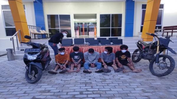 Kecanduan Game Higss Domino, 4 Pemuda Nekat Curi Laptop di Sekolah