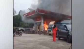 Video Motor Ludes Terbakar saat Isi BBM di SPBU Toboali Bangka Selatan