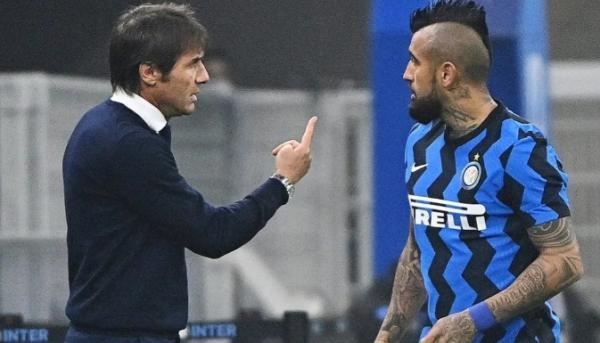 Arturo Vidal Kesal dengan Antonio Conte, Ruang Ganti Inter Milan Memanas