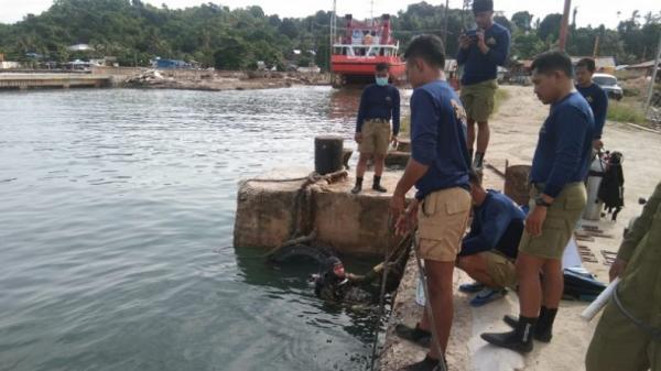 Prajurit TNI AL Ikut Pelatihan Penyelamatan di Dasar Laut Sorong