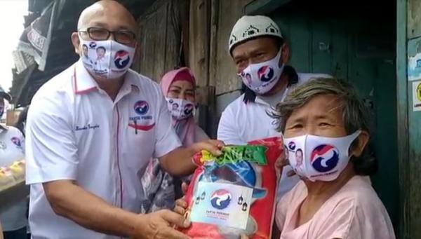 Perindo Jambi Salurkan Bantuan Paket Sembako Imlek ke Warga Tionghoa Kurang Mampu
