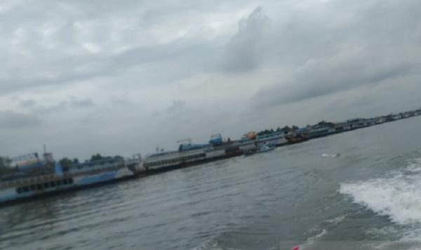 Cuaca Buruk, Ratusan Kapal Tambang Timah Merapat di Pelabuhan Pangkalbalam