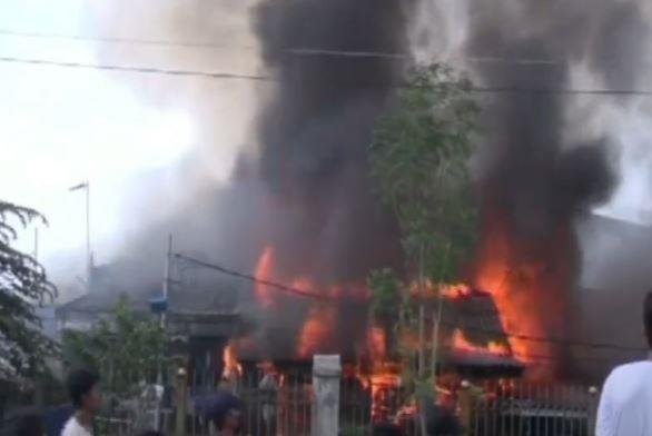 Video 25 Rumah Warga Hangus Terbakar di Tambora