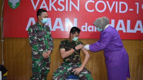 Jelang Vaksinasi Covid-19 Pelayan Publik dan Lansia, Jabar Siapkan 11.000 Vaksinator