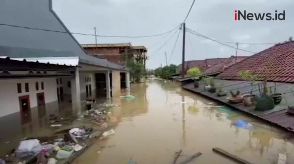 Video 700 Rumah di Karangligar Karawang Tenggelam