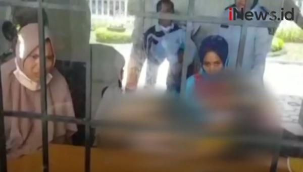 Video 4 Ibu dan 2 Balita Ditahan di Lombok Tengah akibat Protes Pabrik Rokok