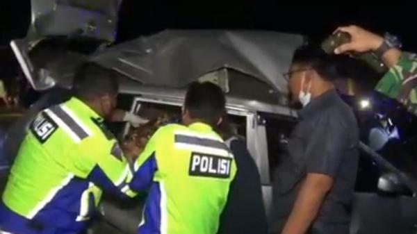 Kecelakaan Maut Bus dan Avanza di Tebing Tinggi, Sekeluarga Tewas