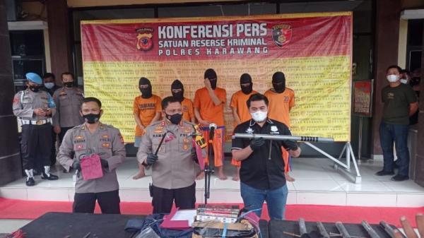 5 Perampok Spesialis Minimarket di Karawang Diringkus, 3 Ditembak