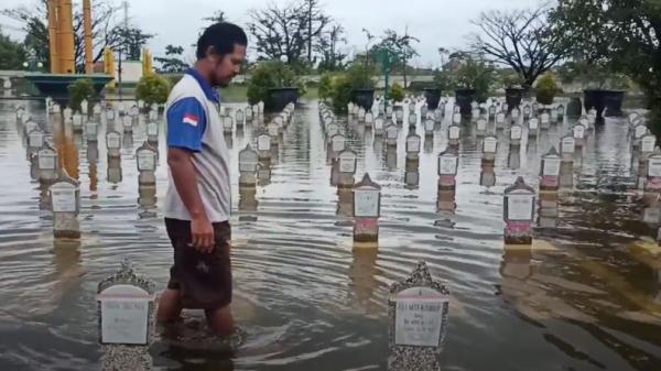 Banjir Pekalongan, Taman Makam Pahlawan Kusuma Bangsa Turut Terendam