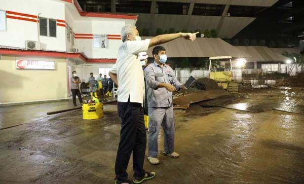 Kantor Gubernur Jateng Kebanjiran, Ganjar: Agak Aneh, Ini Nggak Pernah Sampai Begini Lho