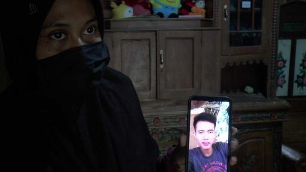 Cerita Mengharukan di Balik Pembongkaran Makam Warga Desa Woro Rembang