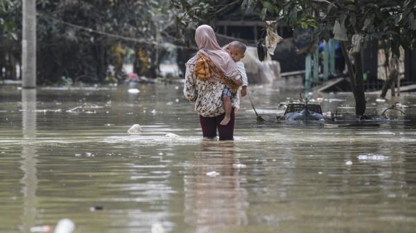 Banjir Masih Rendam Karawang, Ketinggian Air 30-100 Sentimeter